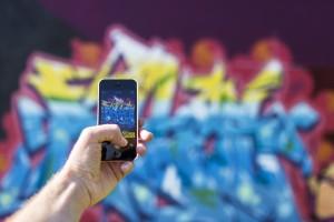 iPhone Graffiti Creative